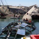 Al porto di Genova la portacontainer Jolly Nero si schianta contro la torre dei piloti, che crolla