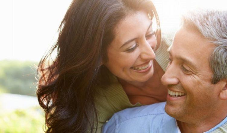 Pensione al coniuge superstite illegittimi tagli legati a differenza di età